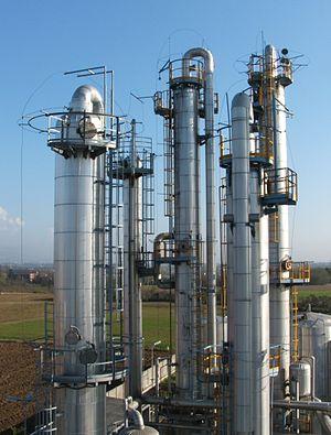 300px-Colonne_distillazione